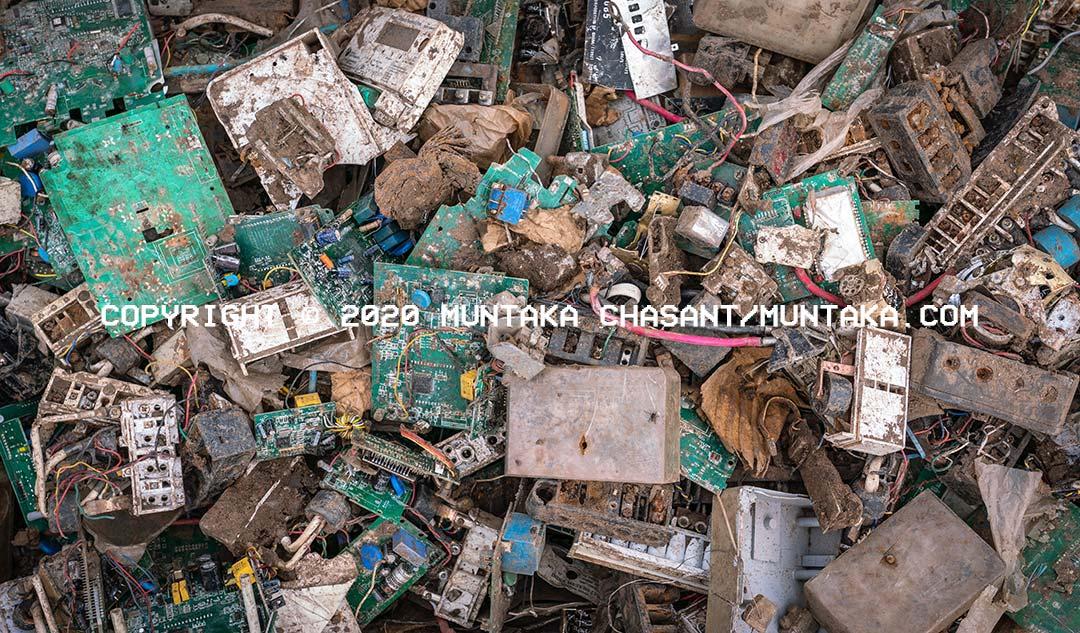 Agbogbloshie e-waste image. Copyright © 2020 Muntaka Chasant