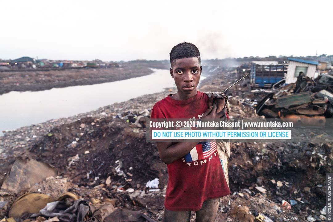 Child labour: 15-year-old Debrah is in child labour. Worldwide, 152 million children between 5 and 17 are in child labour, ILO estimates show. © 2020 Muntaka Chasant