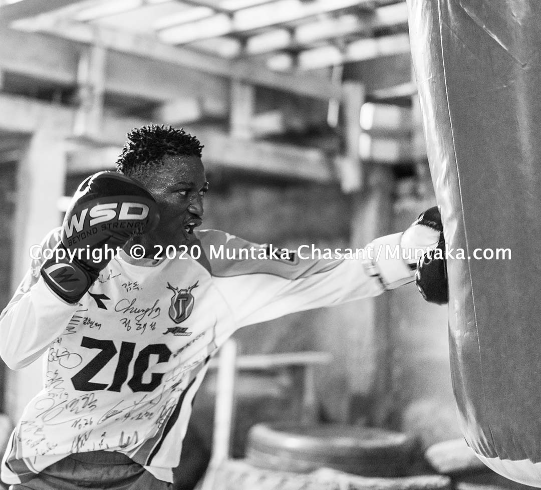 Amateur Ghanaian boxer trains at the Charles Quartey Boxing Foundation in Accra, Ghana. Copyright © 2020 Muntaka Chasant