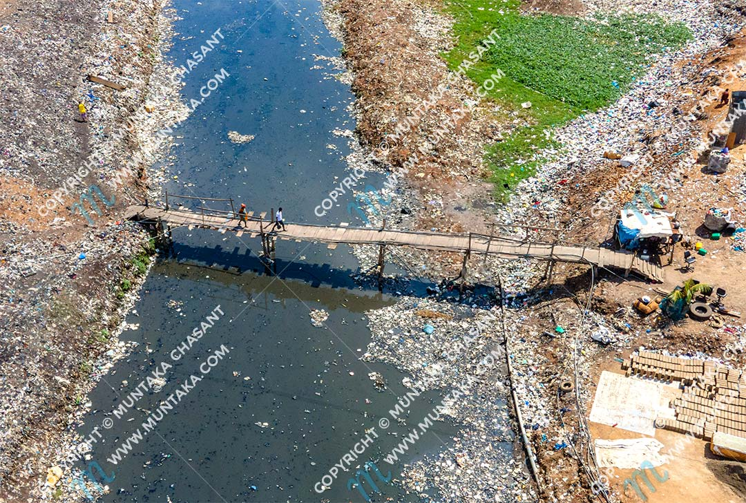 Aerial view of a wooden bridge at old Fadama in Accra. Copyright © 2020 Muntaka Chasant