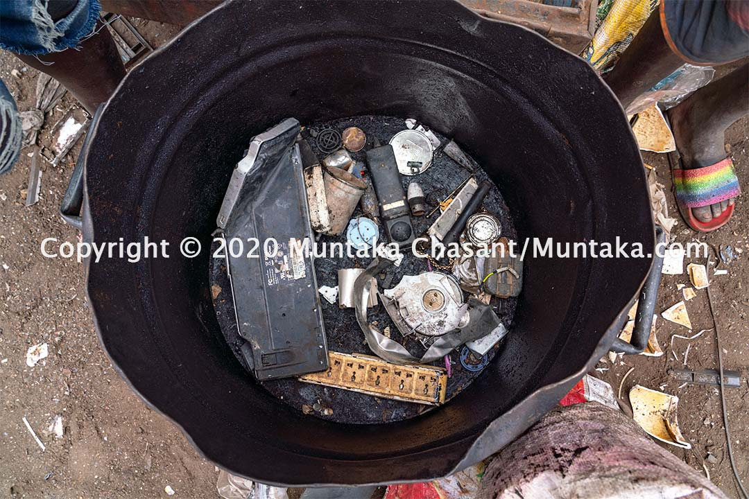 The assorted items Duodu and Akwah got. Copyright © 2020 Muntaka Chasant