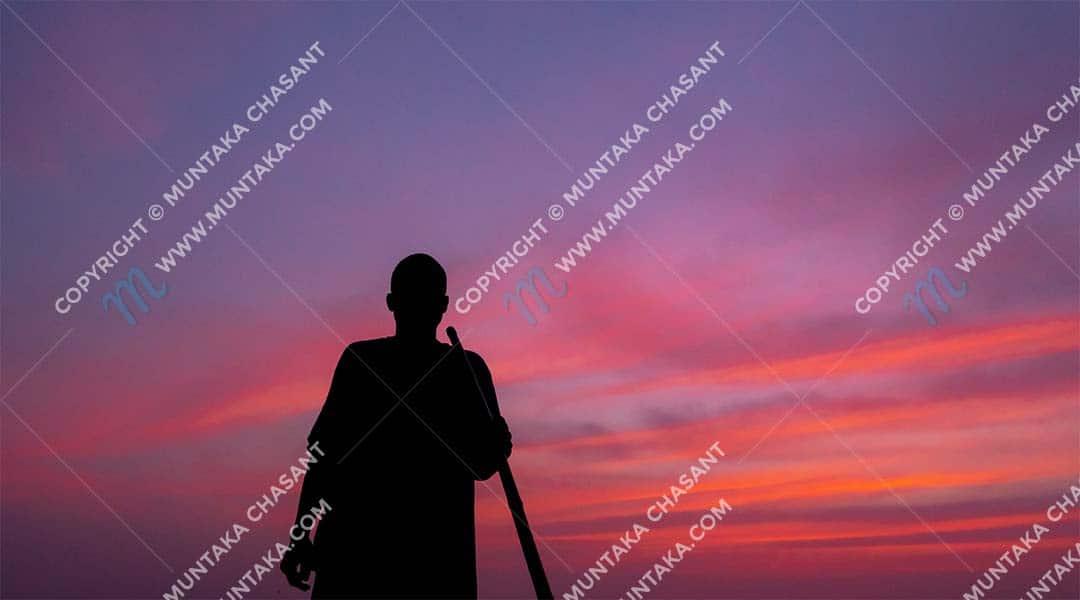 Urban poor Ghanaian fisherman working through sunset. Copyright © 2020 Muntaka Chasant