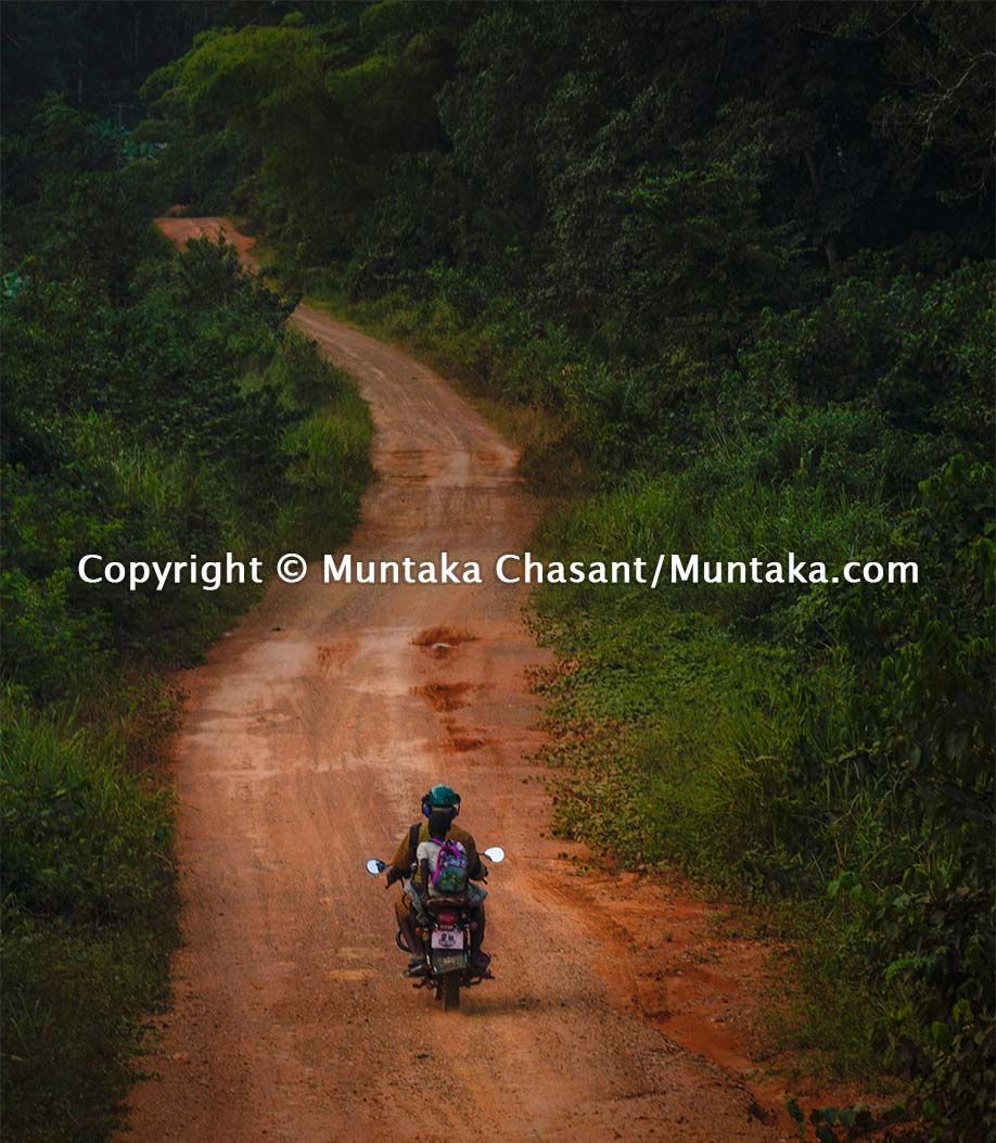 Rural road to the Cape Three Points in Ghana. Copyright © Muntaka Chasant