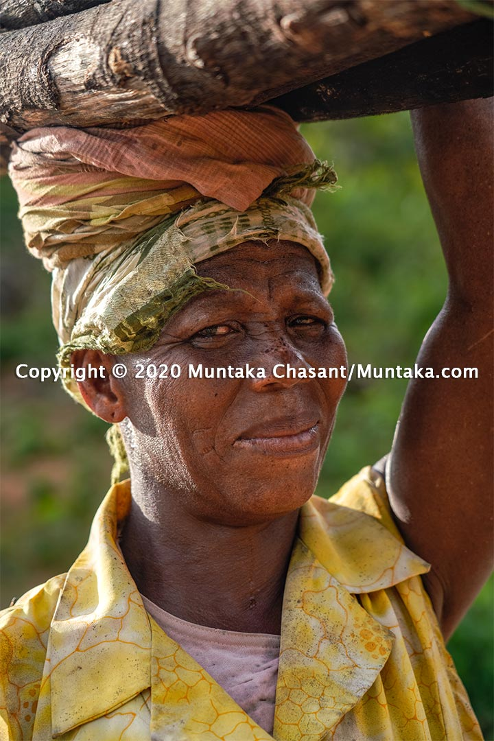 Poverty in Ghana: Auntie Gyabena is 50 years old and is a rural poor in Ghana. Copyright © 2020 Muntaka Chasant