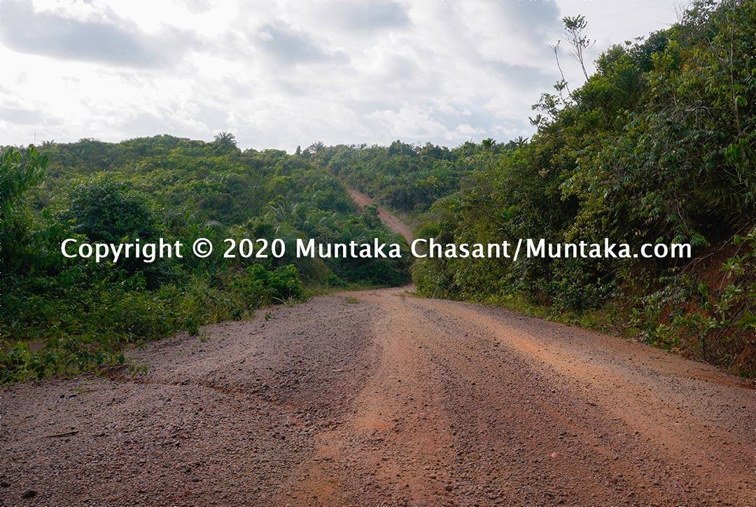 Akwidaa - Newtown Rd — to Cape Three Points, Ghana. Copyright © 2020 Muntaka Chasant