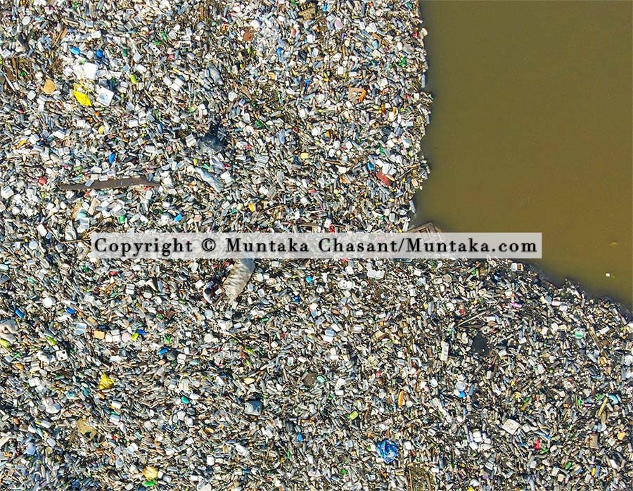 Plastic waste in the Korle Lagoon, Accra, Ghana. Copyright © 2021 Muntaka Chasant