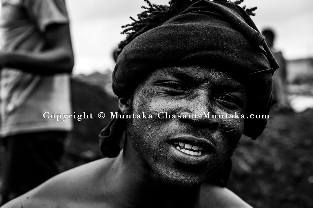 """Desperate urban poor miner is willing to do """"anything"""" to survive in Accra's harsh urban environment. Copyright © Muntaka Chasant"""